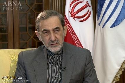 ولايتي يؤكد وقوف ايران بوجه التطبيع وأن امنها خط احمر