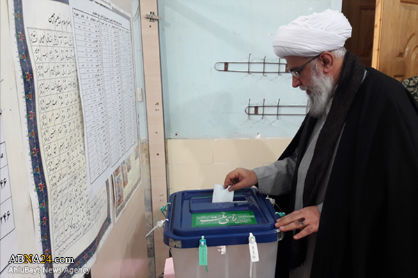 Photos: Ayatollah Ramazani casts his vote for parliamentary, Assembly of Experts elections