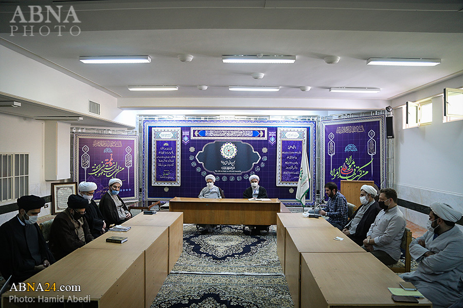 Photos: Officials, researchers of WikiShia encyclopedia meet with Ayatollah Ramazani