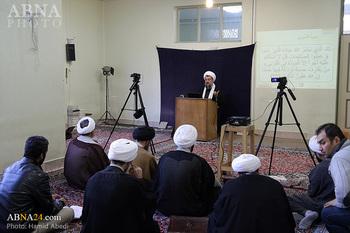 دروس آیت الله هادوی تهرانی عضو شواری عالی مجمع تا ۱۶ فروردین ماه سال آینده تعطیل شد